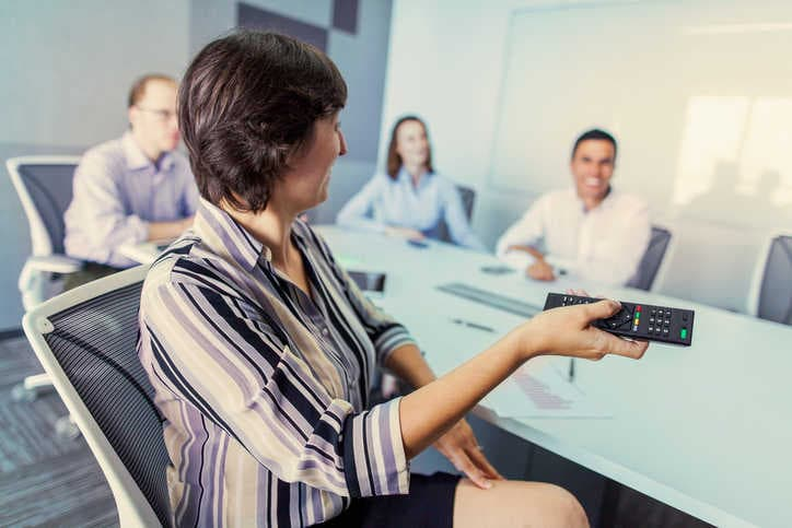 impression powerpoint presentation in meeting room