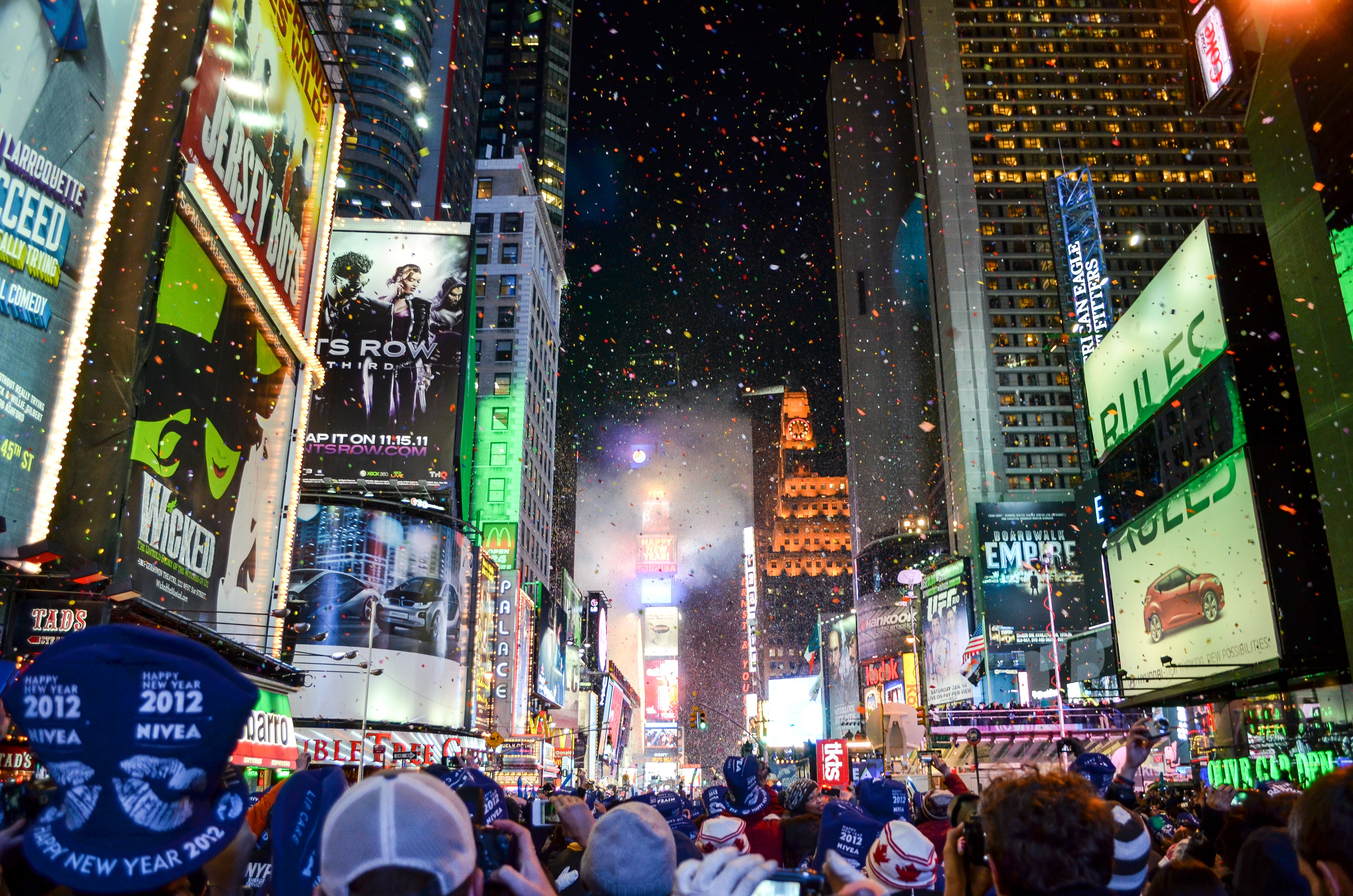 new-years-eve-times-square-ball-drop-2020